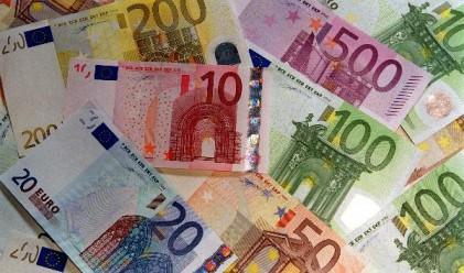 Еврото с най-голям ръст от осем месеца спрямо долара
