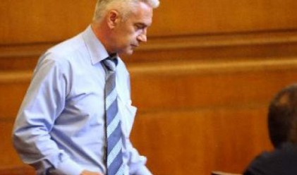 Дянков подкрепя Сидеров за регулиране на лихвите на банките