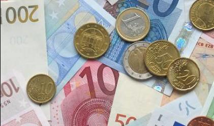 Еврото със седмичен спад от 2.4% към долара