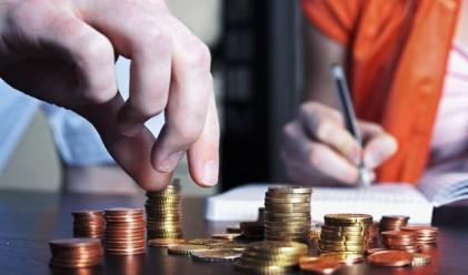 Шести пореден ръст на спестяванията на домакинствата