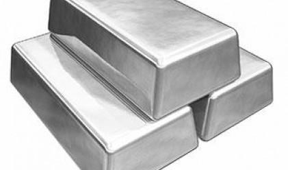 Среброто губи 27% за седмица