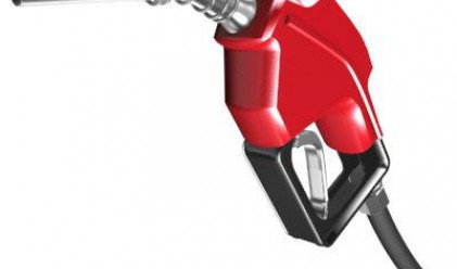 Бензинът тръгва надолу