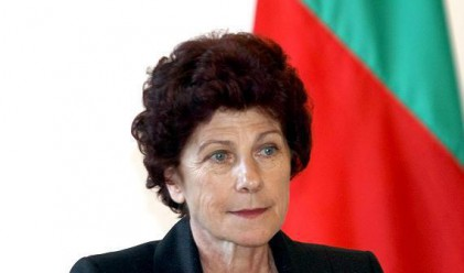 Подозират силен натиск за оставката на Митрева