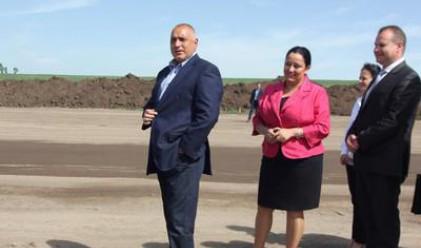 Строител на АМ Тракия ще полага отново за своя сметка асфалт