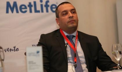 А. Александров: Застрахователният бизнес се справя трудно в кризата