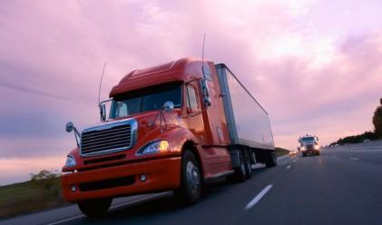 Оборотът в транспорта спада с над 10% за година