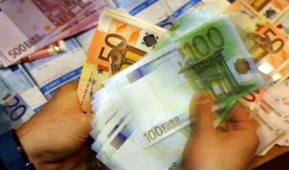 Еврото с най-голям седмичен спад от декември