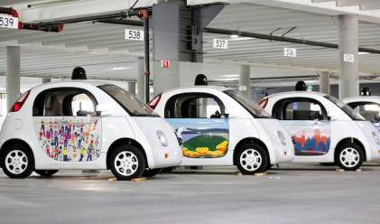 Google пуска още 100 самоуправляващи се коли