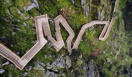 Тази невероятна дървена алея минава покрай два плажа и три реки