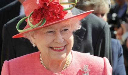 Защо кралицата използва личния си асансьор за първи път?