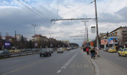 Ремонтират ключови булеварди в София