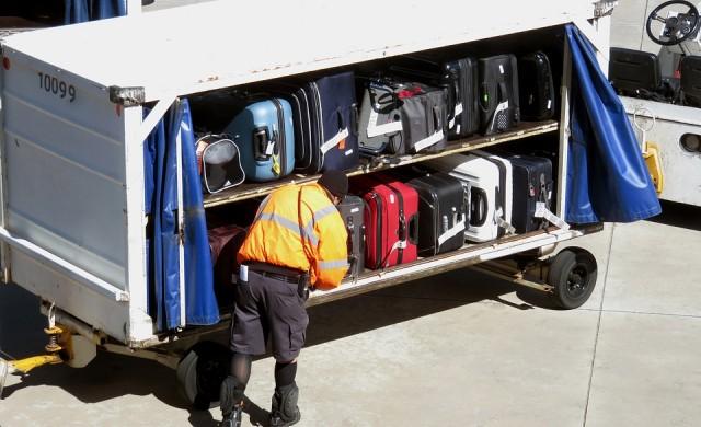 Таксите за багаж донесли 4.2 млрд. долара на авиокомпаниите в САЩ