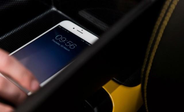 Nissan с решение срещу ползването на смартфон, докато шофираме