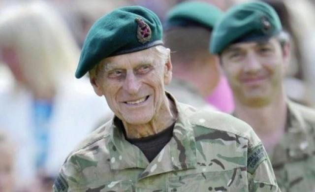 Гръцкият принц, който 70 г. е в сянката на британската кралица