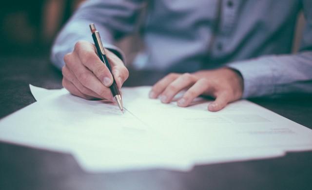 Необслужваните договори за лизинг намаляват с 1/4 за година