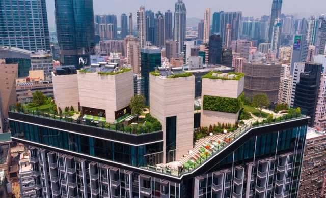 Да живееш в Хонконг – имаш парк и клуб на покрива на блока...
