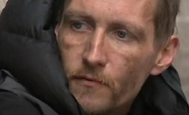 Милиардер променя живота на бездомника-герой от Манчестър