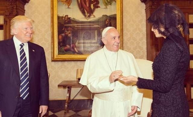 Защо Мелания Тръмп носи було във Ватикана?