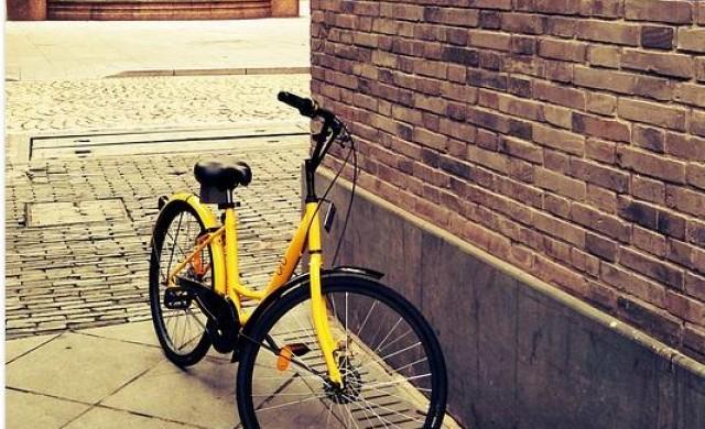 Как велосипедите под наем завладяват градовете по света