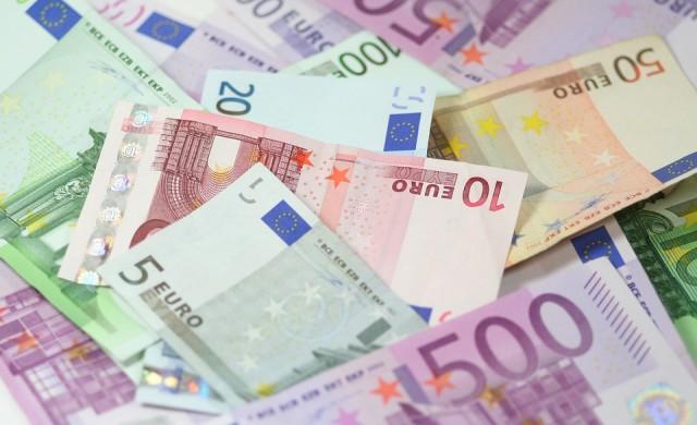 Азиатските акции поскъпват, еврото взе глътка въздух