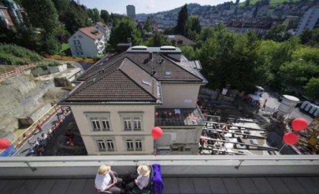 Как в Швейцария преместиха 3600-тонна сграда?