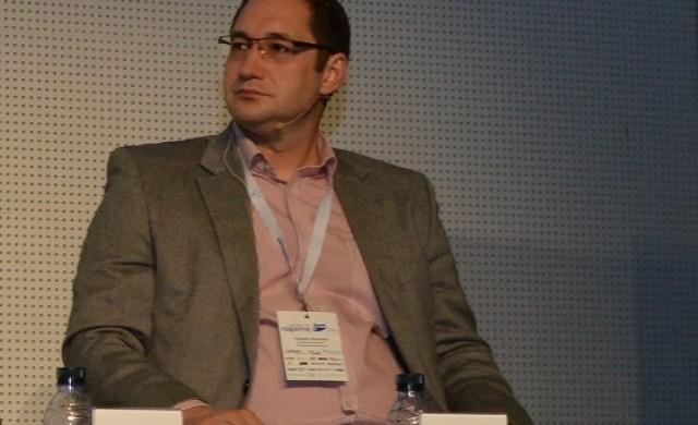 Г. Ангелов: Не бива да чакаме инвеститорите да чукат на вратата
