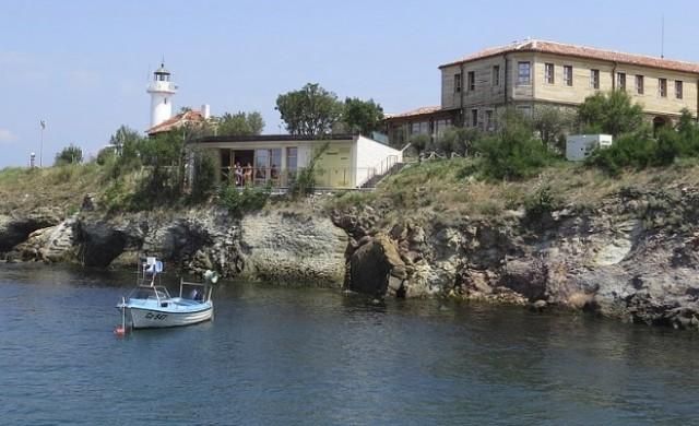От Болшевик до Света Анастасия – остров с история и романтика