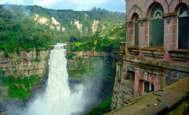 Това са едни от най-впечатляващите изоставени места по света