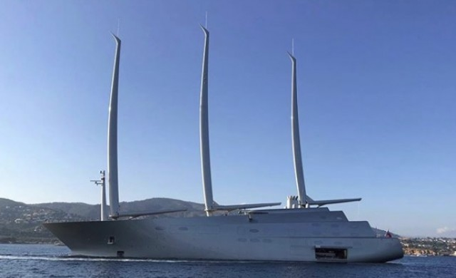 Руски милиардер показа своята грандиозна суперяхта за $480 млн.