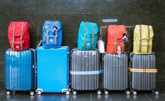 Видео показва как чупят куфарите ни самолетните компании