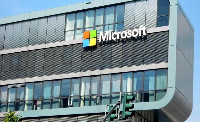 Microsoft изпревари Google по пазарна капитализация