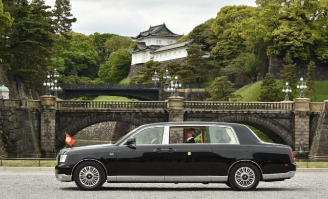 За новия японски император ще бъде създадена особена Toyota