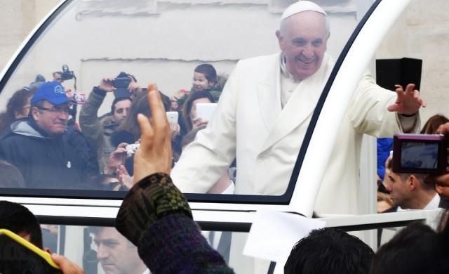 Папа Франциск: Нека мирът се разпространи по цялата земя