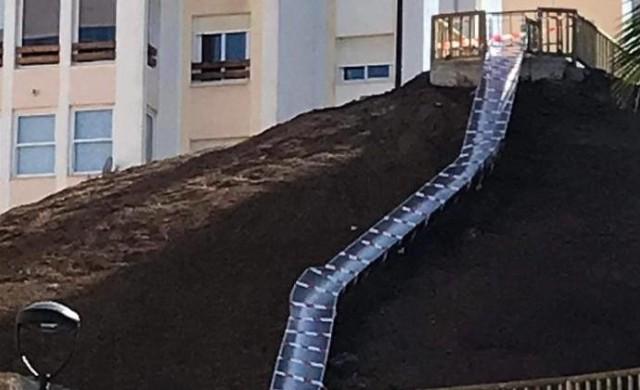 Затвориха 38-метрова пързалка в Испания след само 24 часа работа