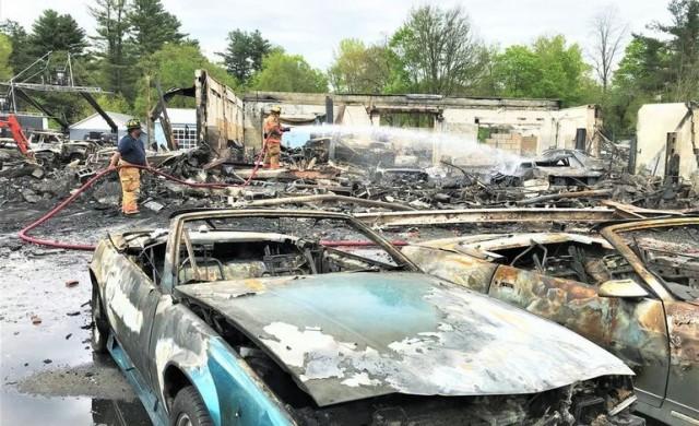 Над 20 редки автомобила изгоряха по време на снимки на сериал
