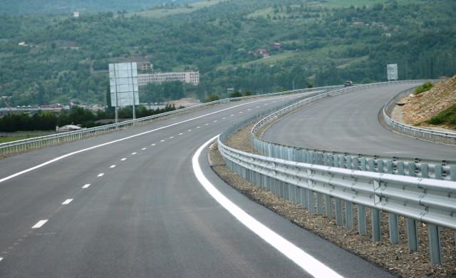 Пускат магистрала Струма след Благоевград (снимки)