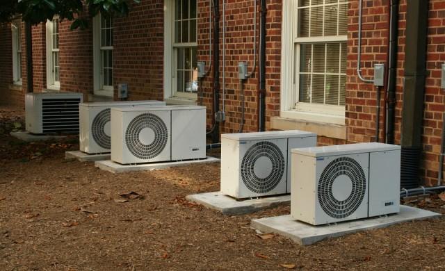 Нова наредба: Махат климатиците от фасадите на сградите в София