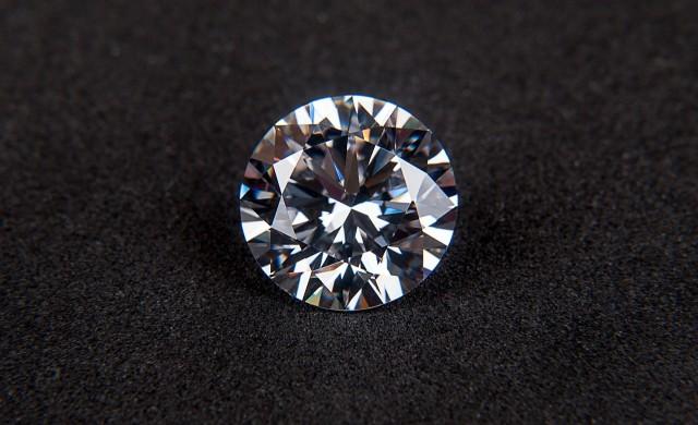 Задава ли се криза в диамантената индустрия?