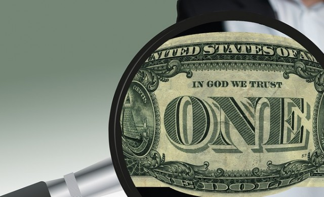 Доларът се търгува близо до 3.5-седмичен връх