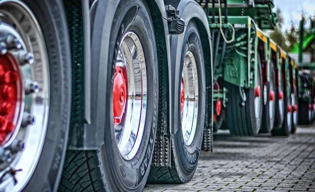 Спират движението на камиони над 12 т около 24 май