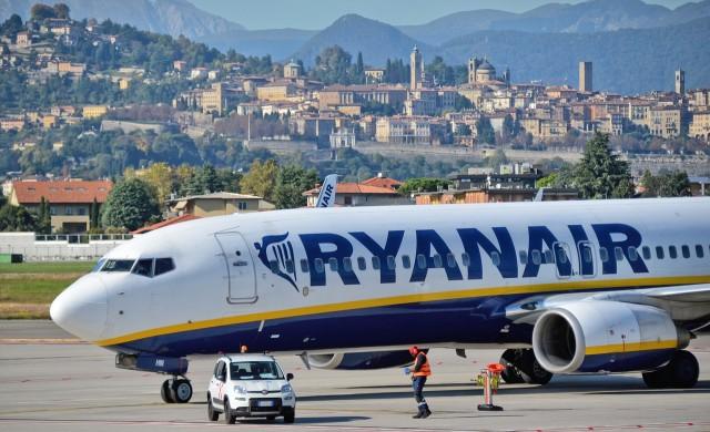 Ryanair може да съкрати до 3000 служители