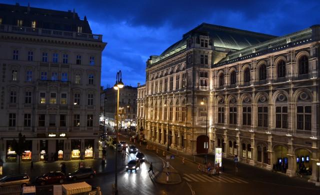 Търговските улици на Виена отново кипят от живот
