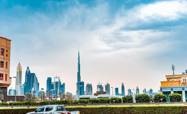 Дубай превърна най-високата сграда в благотворителна касичка
