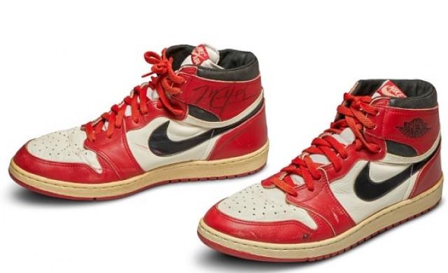 Продадоха на търг първите кецове Air Jordan за 560 000 долара