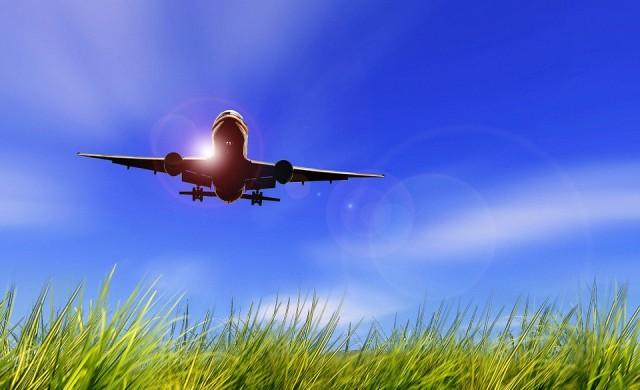 Руски олигарх прати празен частен самолет да прибере куфара му