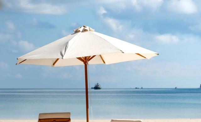 Кои плажове по българското Черноморие ще са с безплатни чадъри?