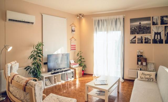 Домакини в Airbnb разпродават имоти и обзавеждане заради кризата