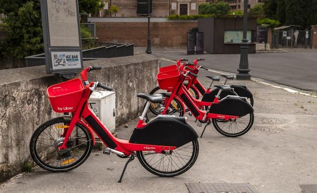 Защо Uber унищожи няколко хиляди тротинетки и велосипеди?