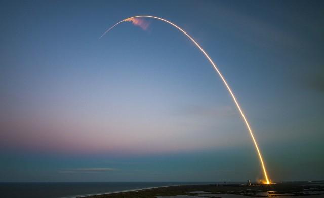 Ракета на SpaceX експлодира