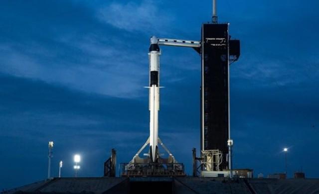 Пилотираният кораб на SpaceX с беше изстрелян в орбита